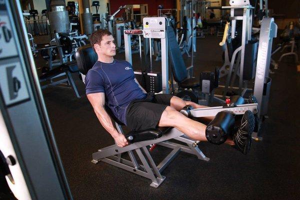 Bài tâp chân – Leg Extension